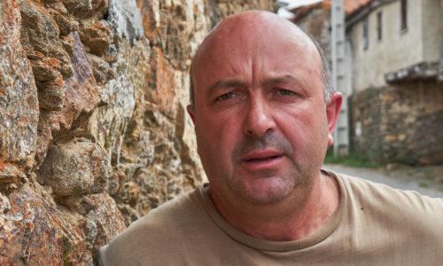 «Siempre ha faltado iniciativa pública y privada que apoye al sector lácteo ourensano» <br><small>Antonio Pérez Castro | Presidente de AFRICOR Ourense</small>
