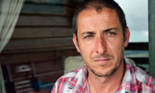 «No soy un veterinario al uso» <br><small>Íñigo Echanobe Arias | Veterinario Clínico</small>