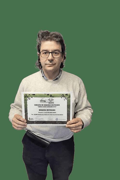 Revista AFRIGA — Mario Vila - Tecnología al servicio de la ganadería